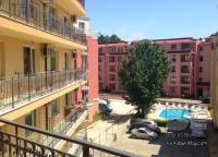 Studios in Sunny Beach, in a complex with swimming pool